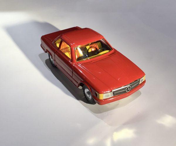 Mercedes con roulotte